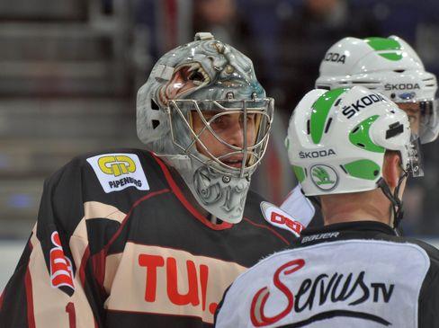 Thomas Greiss gab während des Lockout ein Gastspiel in Hannover - © by Eishockey-Magazin (DZ)