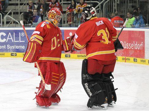 Den Torwartwechsel von Bobby Goepfert zu Felix Bick gab es zuletzt häufiger - © by Eishockey-Magazin (DR)