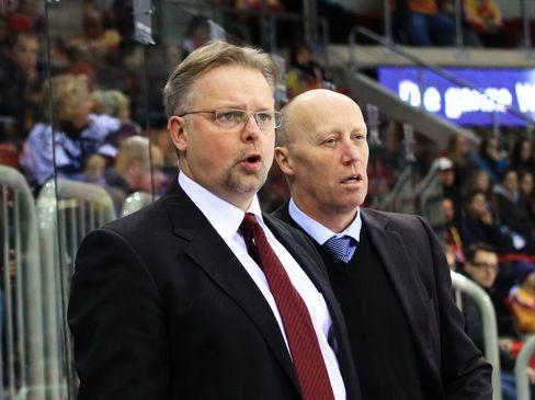 Co-Trainer Jari Pasanen (links) und Cheftrainer Doug Mason hoffen auf einen positiven Start in die Testspielphase - © by Eishockey-Magazin (DR)