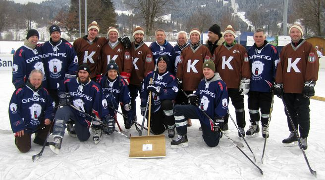 Siegerfotos der Profis beim Pond-Hockey Cup 2013 - © by DEB Media