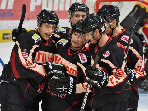 Torjubel bei den Scorpions - © by Eishockey-Magazin (DZ)