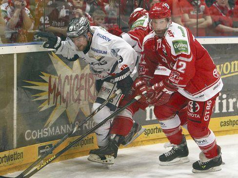 Jamie Arniel (links) und Mirko Lüdemann im Zweikampf - © by ISPFD (sportfotocenter.de)