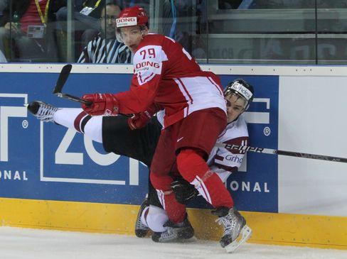 Morten Madsen (vorne) wechselt zu den Freezers - © by Eishockey-Magazin (DR)