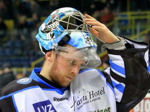 Torhüter Nikolas Sievers - © by Eishockey-Magazin (DR)