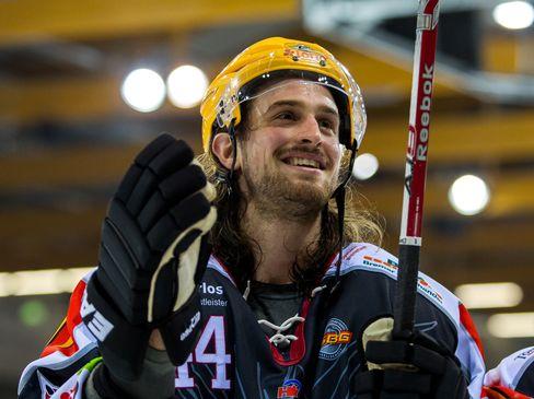 Ryan Martinelli bleibt in Fischtown - © by Eishockey-Magazin (SP)