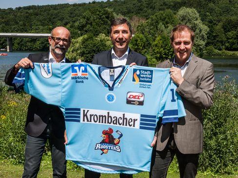 Dr. Franz-J. Weihrauch (Pressesprecher der Krombacher Brauerei), Wolfgang Brück (Geschäftsführender Gesellschafter der Iserlohn Roosters GmbH) und Michael Drotleff (Marketing Krombacher Brauerei)(v.l.n.r.) - © by Roosters Media
