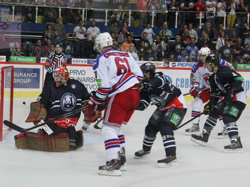 Barry Brust im Medvescak-Tor ist geschlagen - © by Eishockey-Magazin (VC)