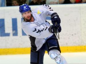 Philippe Dupuis scorte fünffach gegen die Ice Tigers - © by Eishockey-Magazin (RH)
