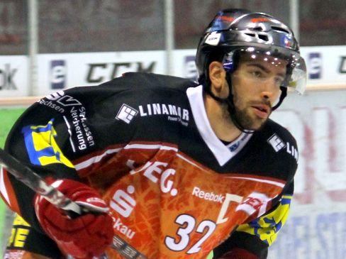Mathias Forster führt die Eispiraten an - © by Eishockey-Magazin (SR)