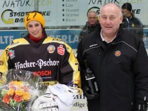 Bundestrainer Peter Kathan und Torfrau Viona Harrer - © by Eishockey-Magazin (NE)