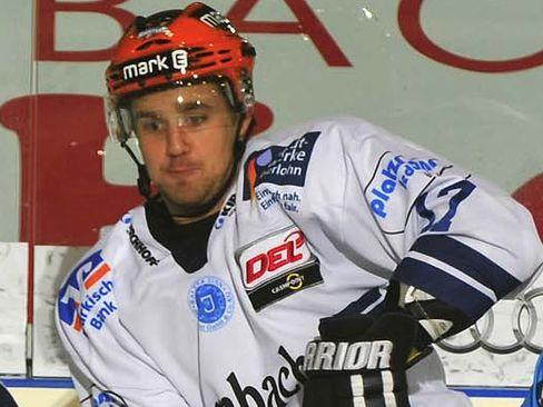 Brooks Macek war Iserlohns Siegtorschütze - © by ISPFD (sportfotocenter.de)