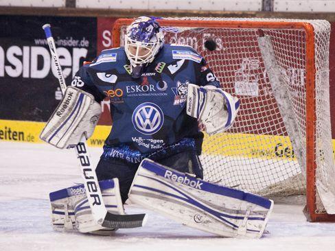 Kassels Goalie Kai Kristian - © by Eishockey-Magazin (DS)
