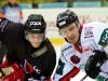 Zweikampf zwischen Tim Dreschmann und Vitalij Aab © by Eishockey Magazin (DR)