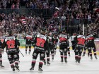 Die Haie jubeln nach dem Sieg - © by ISPFD (sportfotocenter.de)