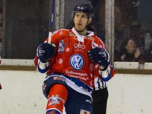 Kassels  Peter Flache bejubelt seinen Treffer - © by Eishockey-Magazin (DS)
