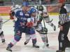 Zweikampf zwischen Kai Hospelt (links) und Greg Moore - © by Eishockey-Magazin (GK)