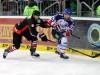 Ronny Arendt setzt sich gegen Drew Schiestel durch (c) by Eishockey-Magazin