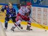 Nico Opree (Crimmitschau, rechts) behauptet den Puck gegen Krisn Sparre - © by Eishockey-Magazin (RK)