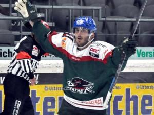 Loui Caporusso erzielte den Augsburger Führungstreffer - © by Eishockey-Magazin (RS)