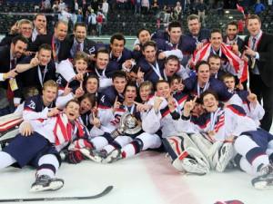 Alter und neuer U18 Weltmeister wurde in Zug das Team der USA - © by Eishockey-Magazin (DR)