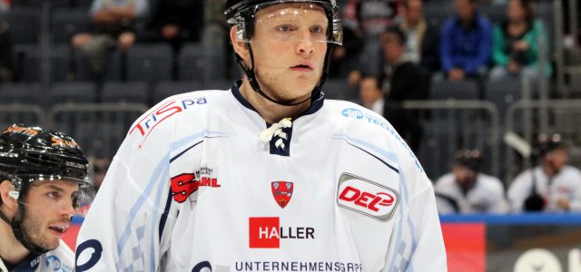 Haie nehmen Alexander Oblinger unter Vertrag