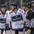 Eislöwen feiern Derbysieg im Penaltyschießen