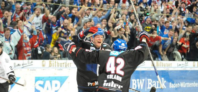Adler Mannheim siegen in dramatischem Eishockey-Krimi