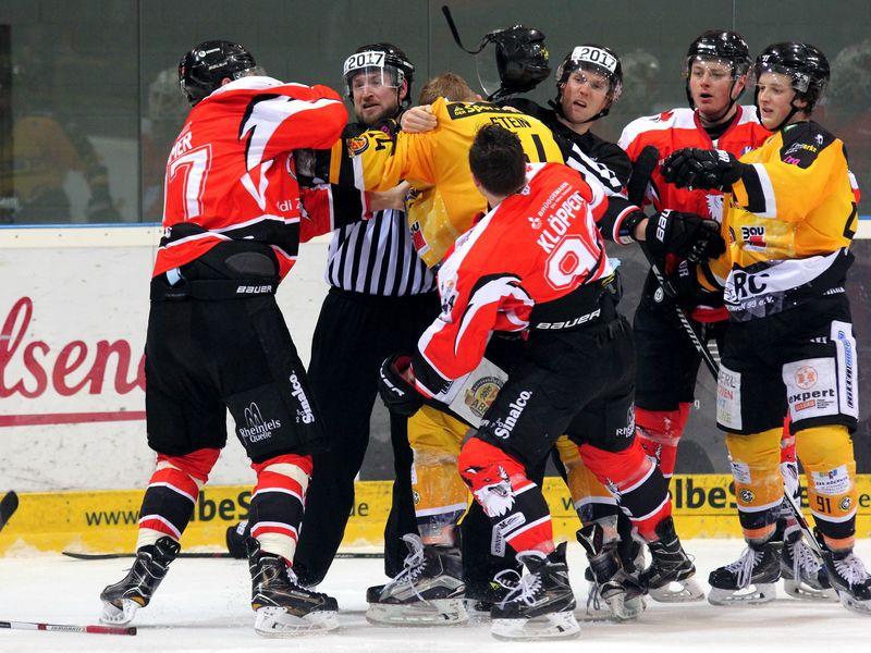 Oberliga Playoff-Viertelfinale EV Duisburg - ERC Sonthofen - © by Eh.-Mag. (DR)