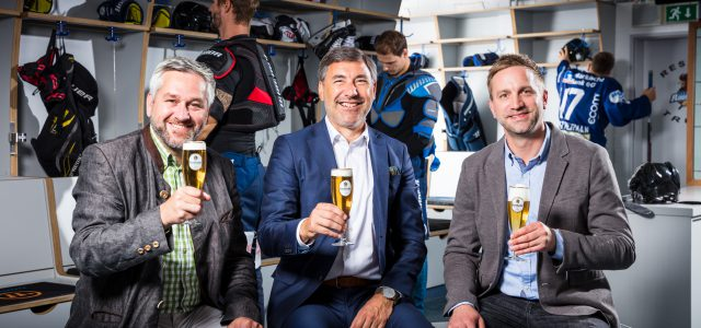 Auch zukünftig starke Partner: Krombacher Brauerei und Iserlohn Roosters verlängern Sponsorenvertrag bis 2027