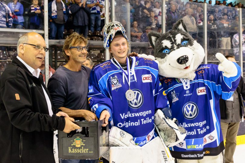 Mirko Pantkowski wird Man of the Match - © by Eh.-Mag. (SD)