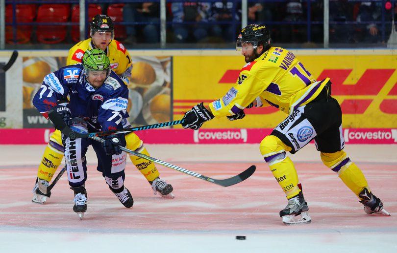 Kevin Orendorz DEL: Iserlohn Rooster vs. Krefeld Pinguine Copyright: Jan Brueggemann, Eishockey Magazin
