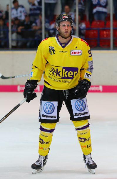 Daniel Pietta DEL: Iserlohn Rooster vs. Krefeld Pinguine Copyright: Jan Brueggemann, Eishockey Magazin