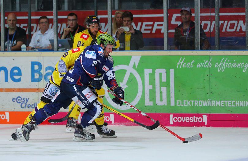 Jack Combs DEL: Iserlohn Rooster vs. Krefeld Pinguine Copyright: Jan Brueggemann, Eishockey Magazin