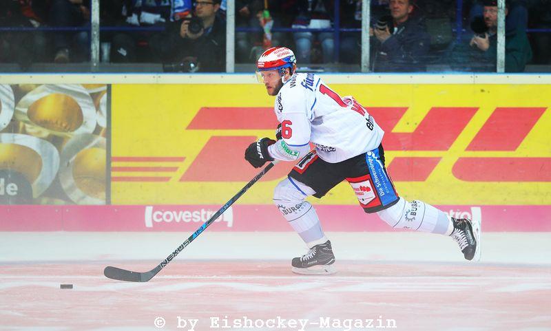 Tobias Wörle DEL: Iserlohn Rooster vs. Schwenninger Wild Wings Copyright: Jan Brueggemann, Eishockey Magazin