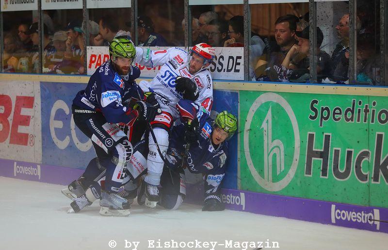 DEL: Iserlohn Rooster vs. Schwenninger Wild Wings Copyright: Jan Brueggemann, Eishockey Magazin