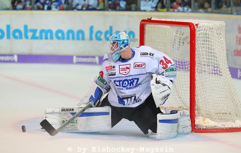 Dustin Strahlmeier DEL: Iserlohn Rooster vs. Schwenninger Wild Wings Copyright: Jan Brueggemann, Eishockey Magazin