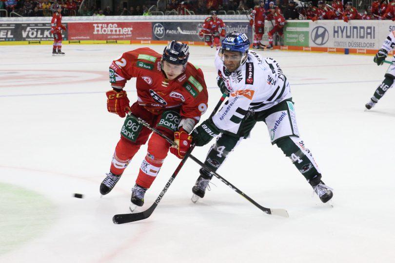 Marcel Brandt (DEG) - Mark Cundari (AEV) © by Sportstimme.de (DR)