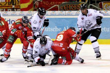 DEG und Ice Tigers kämpften um jeden Zentimeter Eis - © by EH-Mag. (DR)
