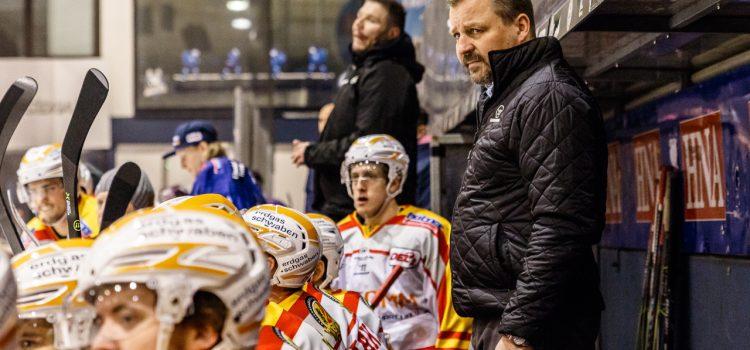 Über 1100 ESVK Fans begrüßen ihr Team beim ersten öffentlichen Eistraining