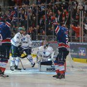 Eishockey-Krimi in Mannheim endet nach 83:45 Minuten
