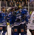 7:4 –Huskies entscheiden Torfestival für sich – Trainerwechsel in Frankfurt?