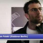 Sven Felski als Schiedsrichter im Einsatz / Kader der Legendenteams komplett
