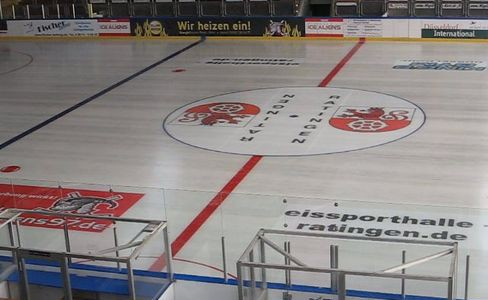 Ice Aliens trainieren in der Eissporthalle