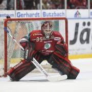 Rote Teufel verlängern die Serie: 3:2-Heimsieg nach einem echten Eishockey-Fight gegen Ravensburg