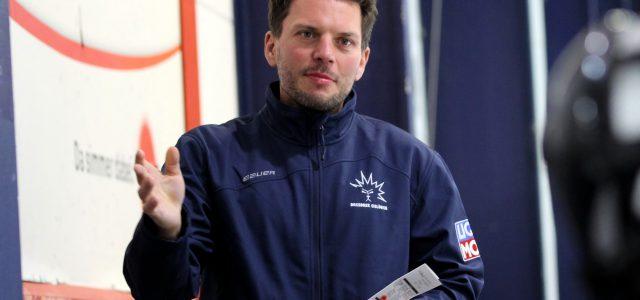 Sportliche Krise in Dresden: Jochen Molling im Amt des Cheftrainers bestätigt / Thomas Pielmeier neuer Kapitän