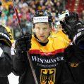 Patrick Hager schießt DEB-Auswahl zum ersten Sieg