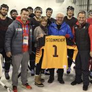 Bundespräsident Steinmeier besucht Nationalmannschaft