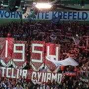 Toller Support-Wettstreit zwischen Krefeld und 1000 mitgereisten Eisbärenfans
