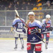 Blue Devils verschlafen das erste Drittel gegen die Eisbären Regensburg