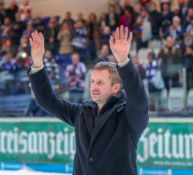 Mathias Lange sagt dem aktiven Hockey Servus